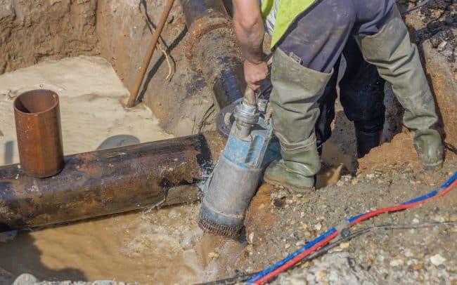 Service de pompe à eau dans les Laurenitdes